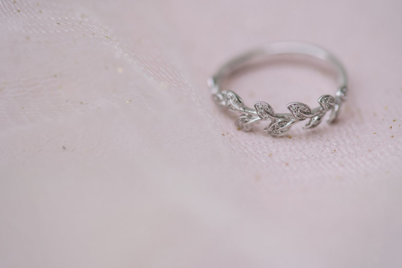 leaf detail wedding band